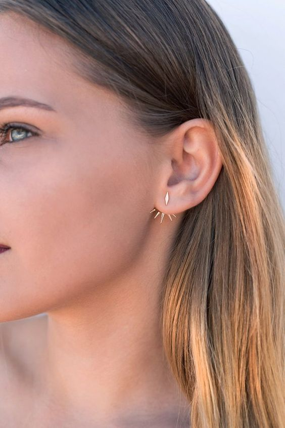 a minimalist gold spike ear jacket is a lovely solution for a modern or minimalist look