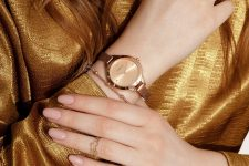 a very refined and whimsical gold midi ring is a lovely idea to make your look more delicate