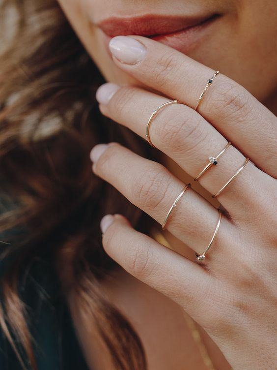 chic and very delicate gold rhinestone rings - usual and midi ones for a romantic look