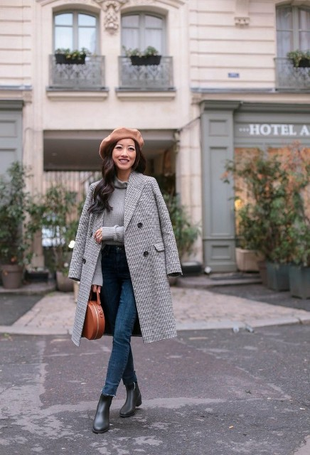 With gray shirt, printed midi coat, skinny jeans, brown bag and black ankle boots