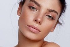 02 very chic nude makeup with a glossy lip and pink eyeshadows is cool and romantic