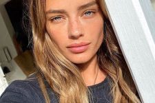 05 a very lovely no makeup look with a pink shiny lip and a bit of mascara is gorgeous