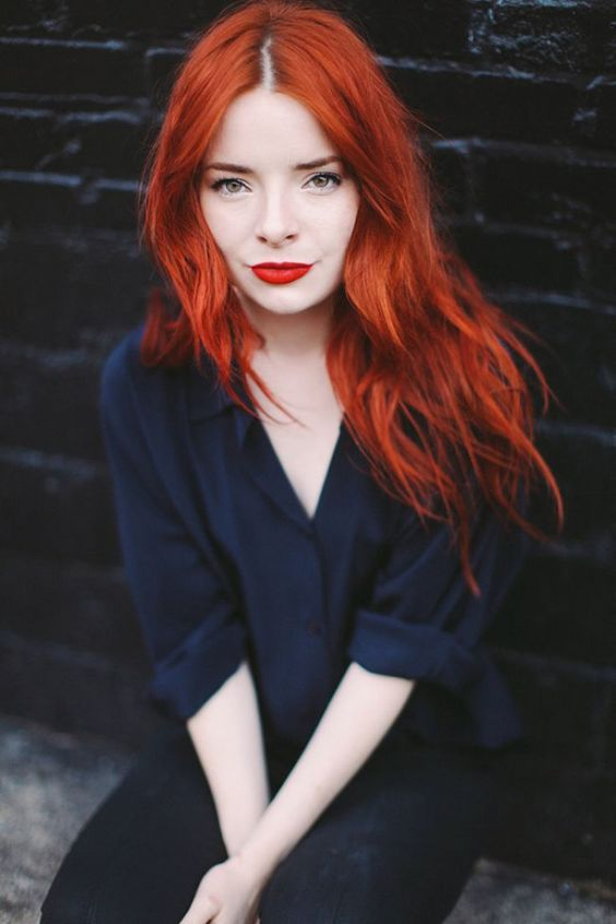 fantastic wavy and messy long red hair is a gorgeous idea for this fall