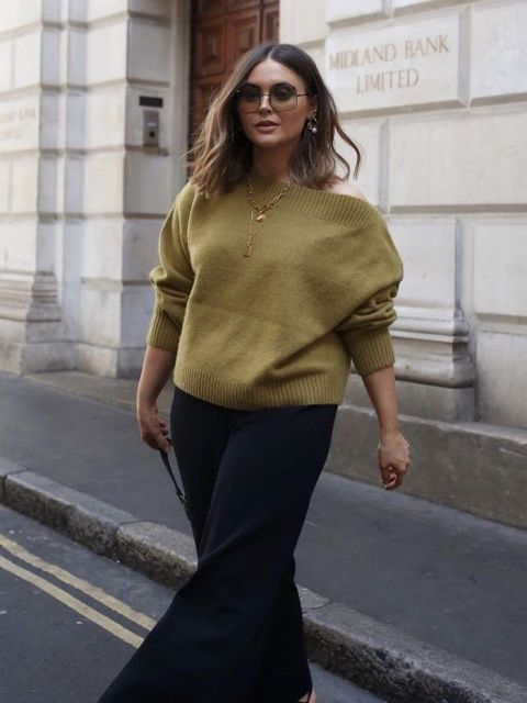 With culottes and oversized sunglasses