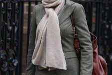 With gray tweed blazer, pale pink scarf, marsala bag and skinny jeans