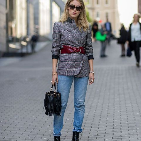 a fall look with ankle boots in black