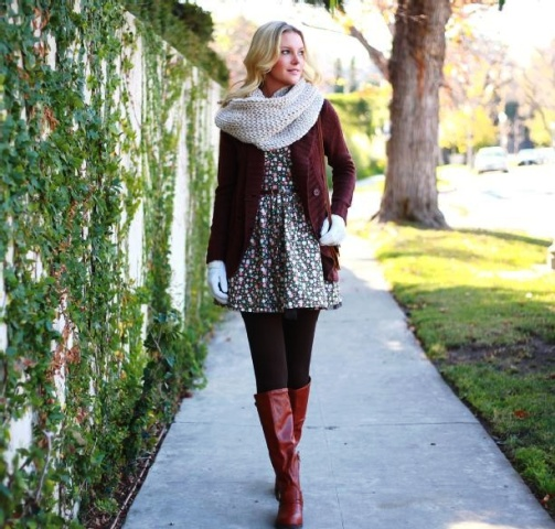 With marsala cardigan, marsala high boots, gloves and light gray scarf
