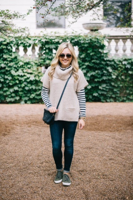 With striped shirt, jeans, crossbody bag and gray shoes