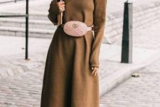 a brown midi sweater dress, purple sock boots, a pink waist bag for a refined and bold look