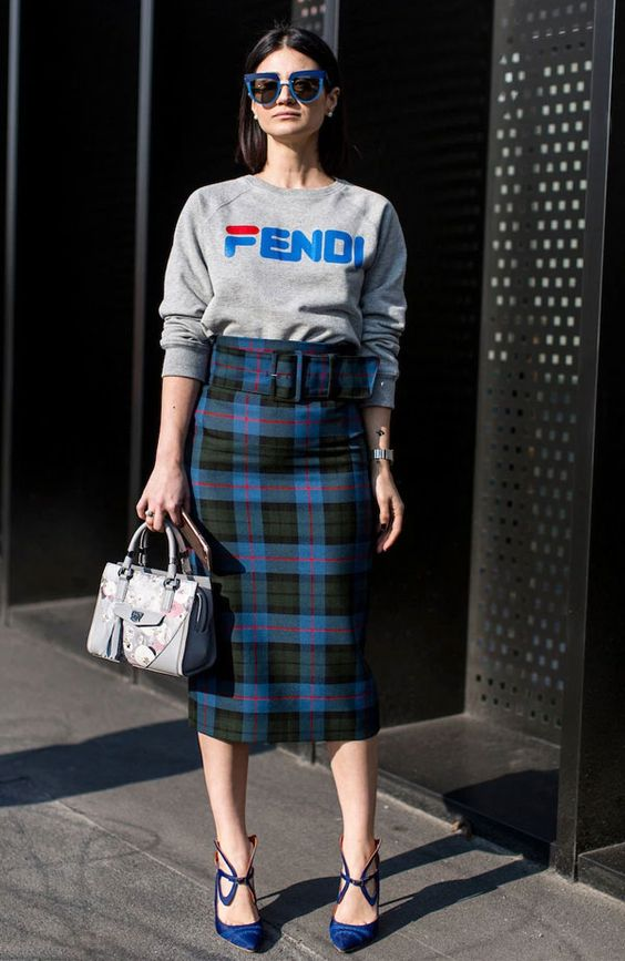 a gret sweatshirt, a midi tweed skirt, bold blue shoes and a grey printed bag for fall