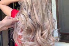 blonde hair done with airtouch technique looks beautiful and absolutely natural at the same time