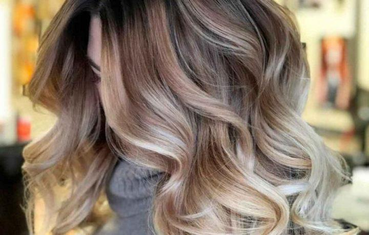 burgundy and chestnut hair with blonde airtouch highlights is a very chic and beautiful idea to go for
