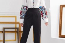With black high-waisted trousers and black shoes