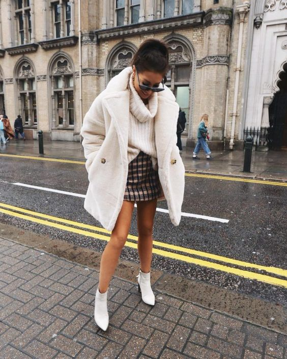 chic mini skirt and sweater combo