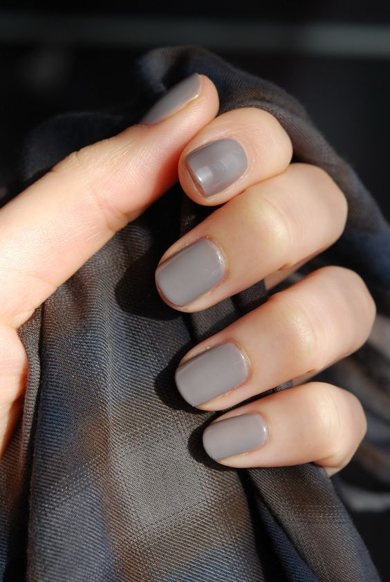09 a glossy grey manicure is a nice solution for fall and winter and it will match many looks