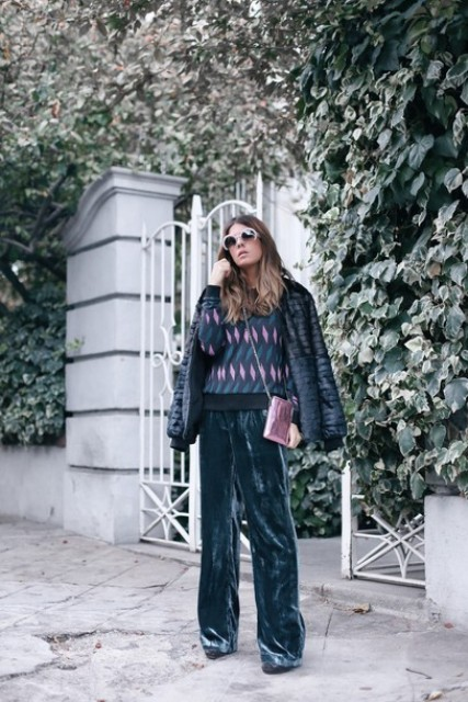 With printed sweater, black jacket, pale pink crossbody bag and shoes