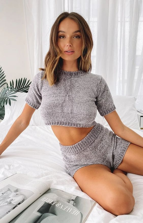 a grey two-piece knit set with a crop top and shorts is always a good idea to rock