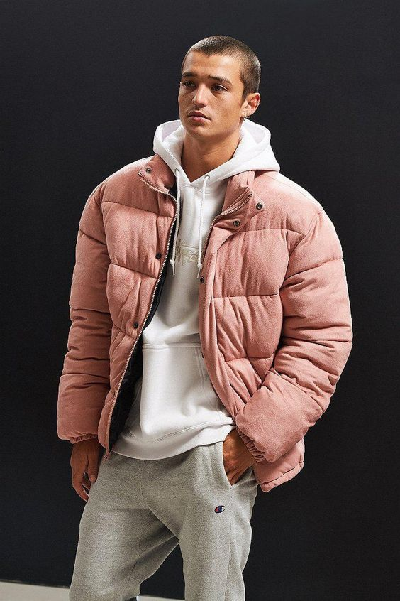 a simple sporty look with grey joggers, a hoodie, a pink puffer jacket is ideal for winter