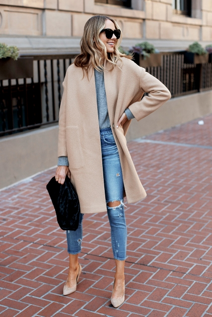 With gray shirt, distressed cropped jeans, navy blue velvet clutch and beige pumps