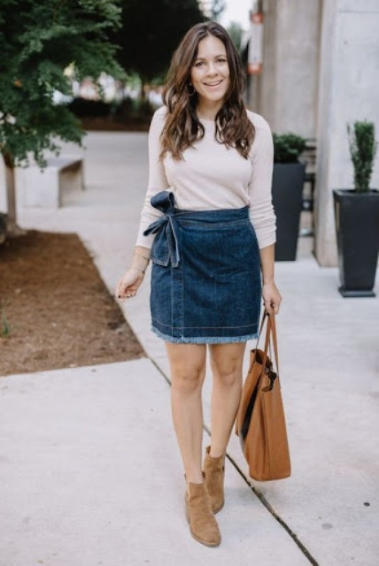 With shirt, brown tote bag and suede flat boots