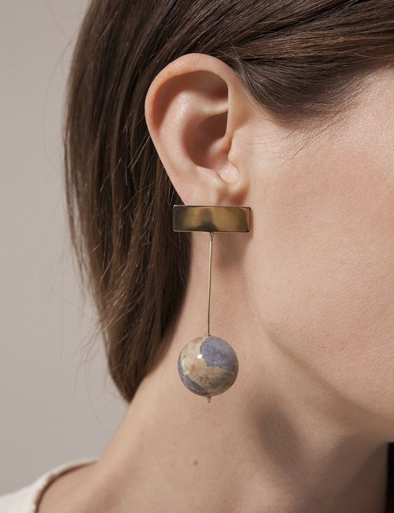 a fantastic statement gold and agate sphere earring like this one will make your outfit super trendy