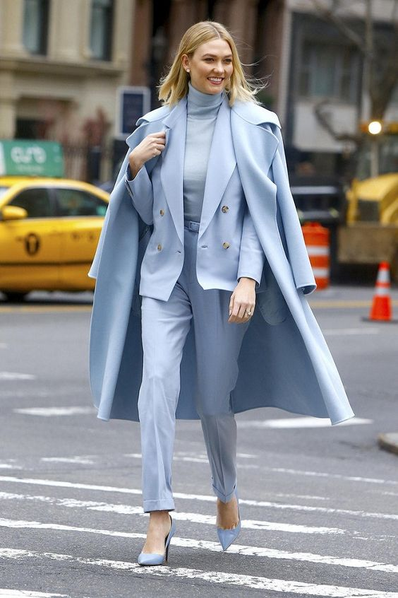 a total serenity blue look with a turtleneck, a pantsuit, heels and a coat for work