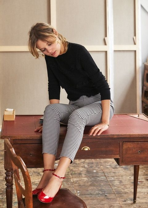 a black long sleeve top, gingham cropped pants, red ankle strap shoes for a Parisian-like look