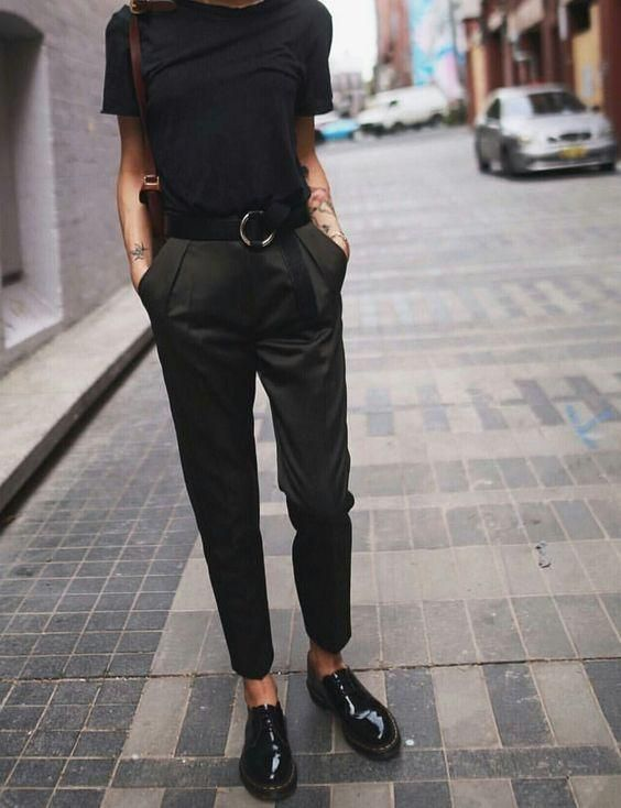 a black tee, dark green cropped pants, black lacquer Derby shoes and a brown bag for a work outfit