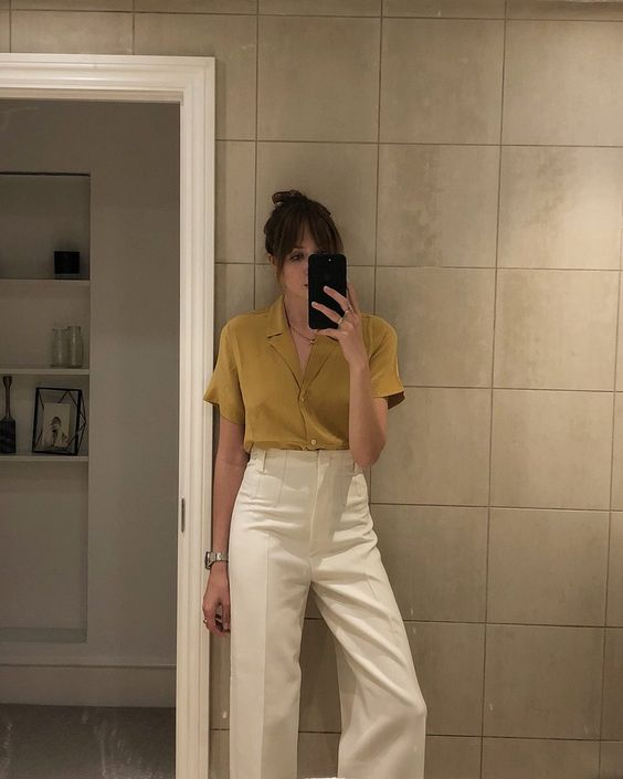 a mustard retro blouse and white high waisted pants are perfect for this spring, mustard is in trend