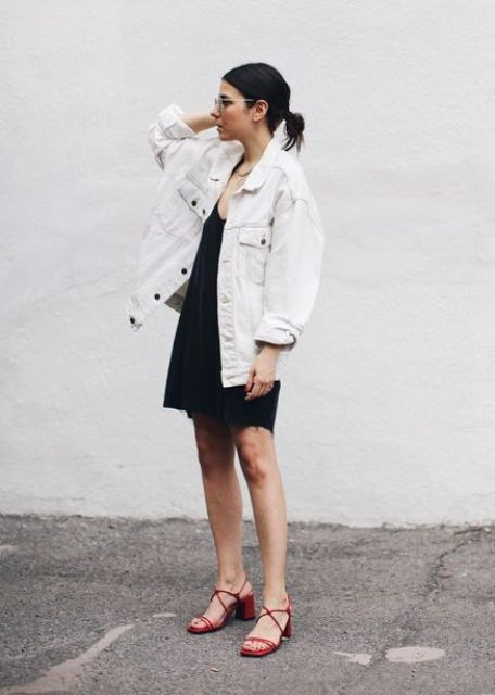 03 a black slip midi dress, an oversized white denim jacket, red heels for a trendy summer look