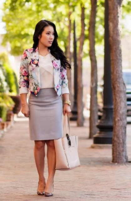 With beige blouse, gray pencil skirt, tote bag and high heels