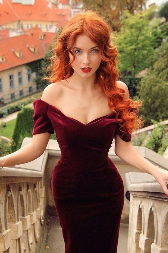 lovely long curly ginger hair is an adorable idea for a hot and sexy look