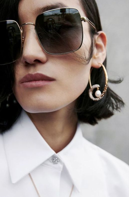 oversized black square sunglasses are a gorgeous idea for anyone this season