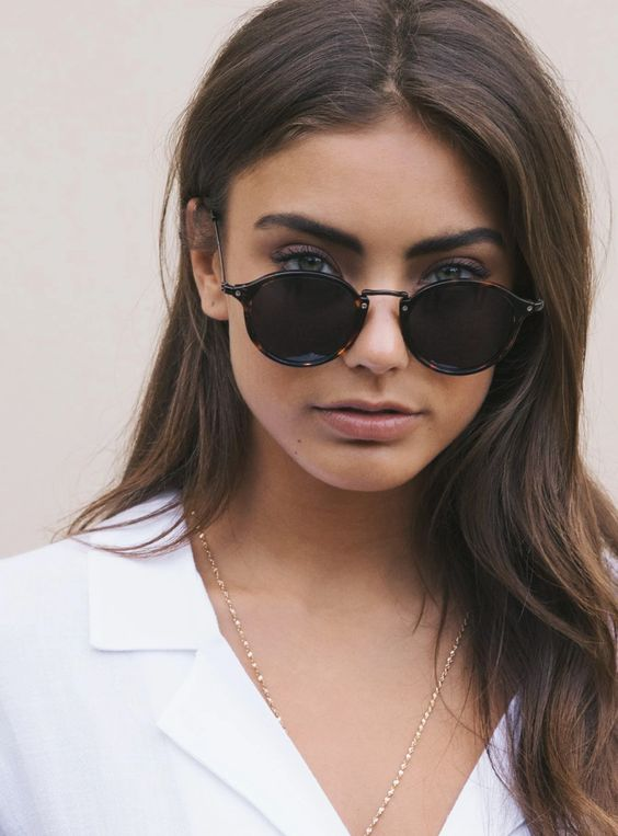 you can play with any part of your round sunglasses - with the top, frame and glasses