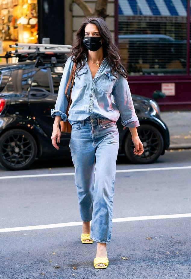 a chic double denim look with blue jeans and a matching blue chambray shirt, yellow woven heels by Katie Holmes