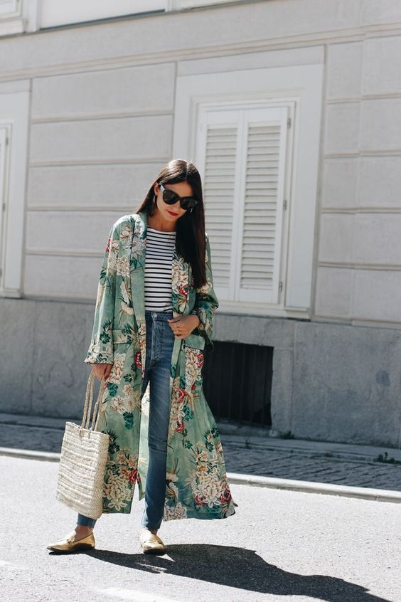 a striped t-shirt, blue jeans, metallic flats, a green floral kimono, a woven bag for spring