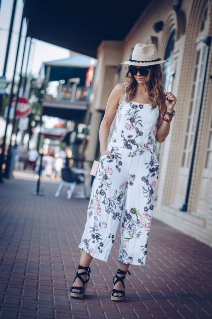 With beige hat and black lace up platform sandals