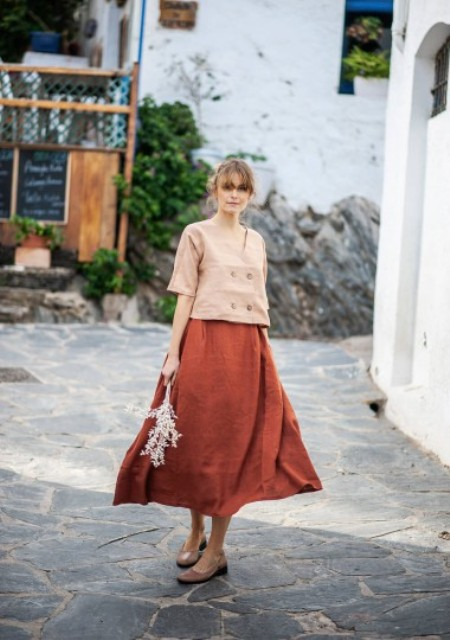 With pale pink loose shirt and beige leather shoes