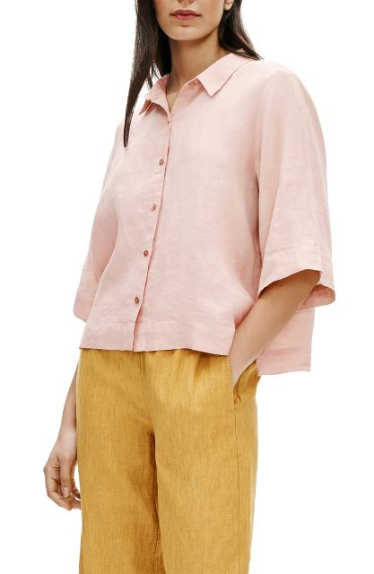 With yellow linen loose pants