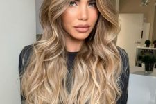 06 brunette hair with lovely and shiny warm blonde highlights that looked very sunkissed and stylish