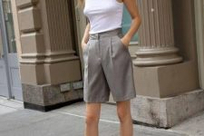 11 a summer outfit for a hot day – a white top and grey linen shorts plus black kitten heel flipflops