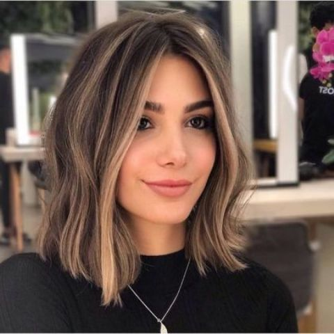 shoulder length brunette hair with some sunkissed touches and light waves is a lovely idea for summer