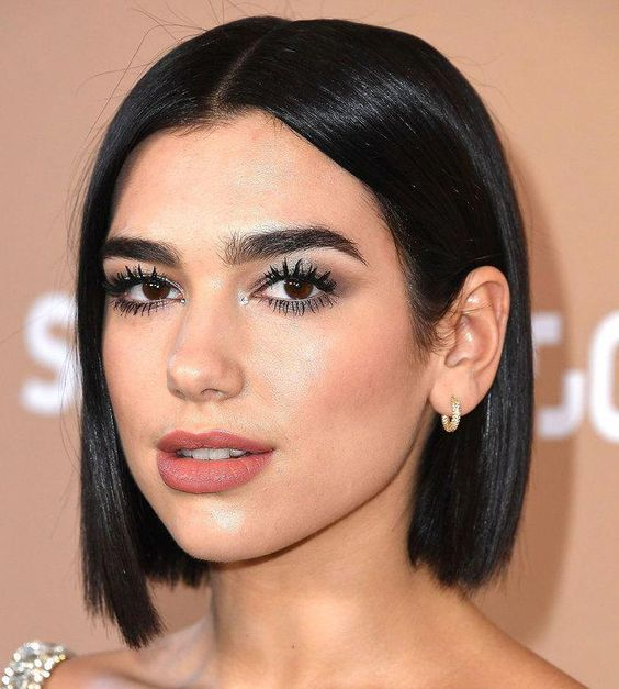 Dua Lipa rocking a classic short blunt bob looks gorgeous and absolutely chic
