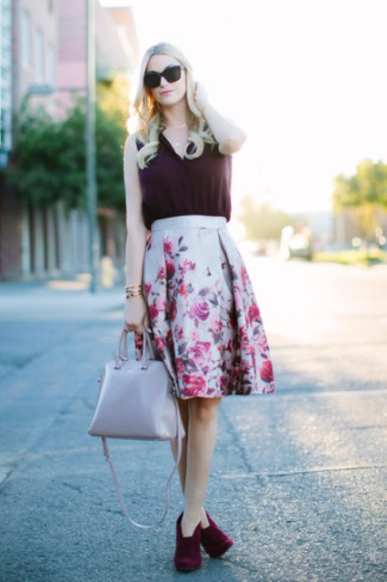 With floral knee-length skirt, gray bag and marsala suede shoes