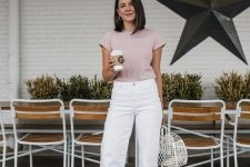 a simple and casual look with white jeans, a dusty pink t-shirt, matching slippers and a white bag