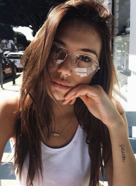 aviator glasses in a thin metal frame will give you a super edgy 90s inspired look