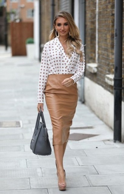 With light brown leather pencil skirt, gray tote bag and platform shoes