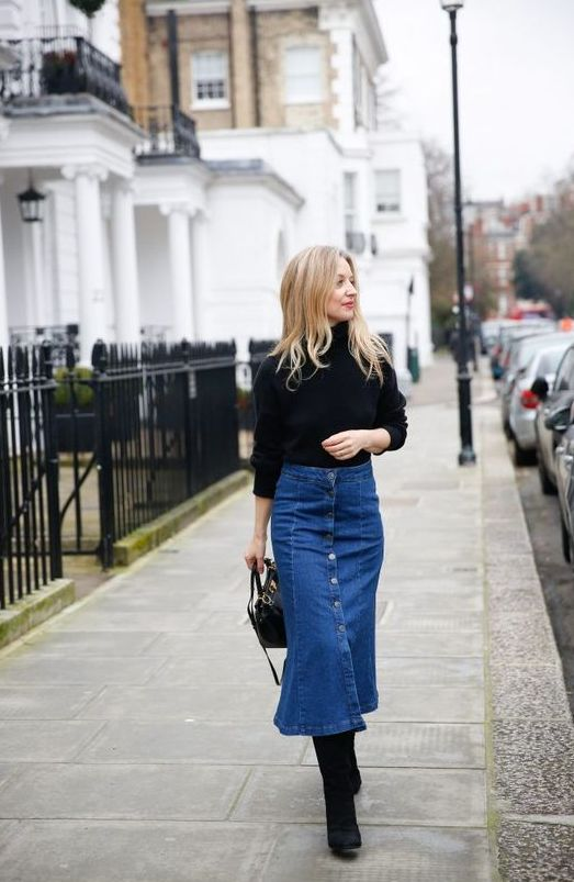 a flare blue denim midi skirt with buttons, a black turtleneck, black boots and a black bag for a French chic look