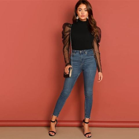 With skinny cropped jeans, chain strap bag and black ankle strap shoes