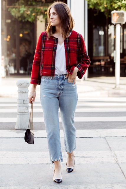 With white V-neck shirt, cropped jeans, black chain strap bag and two colored shoes